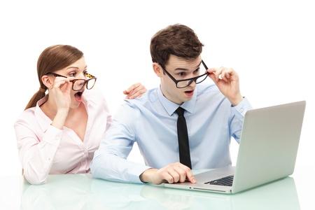 De ce ar trebui să folosească un antreprenor la început de drum un program de emis toate documentele unei firme?